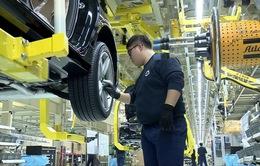 Doanh nghiệp châu Á đang cắt giảm chi tiêu cho sản xuất