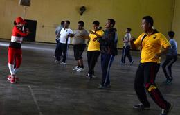 Cảnh sát Indonesia nỗ lực tập luyện để giảm cân