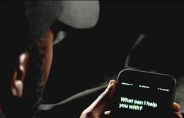"""Trợ lý ảo Siri của Apple nghe lén người dùng khi họ đang... """"mây mưa"""""""