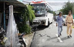 Nhiều người bị thương trong vụ tai nạn xe khách