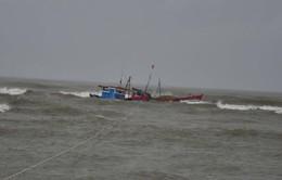 Chìm tàu cá, 5 thuyền viên mất tích