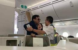 Cục Hàng không cân nhắc cấm bay hành khách bị tố sàm sỡ
