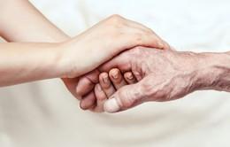 Phòng ngừa bệnh run chân tay ở người cao tuổi