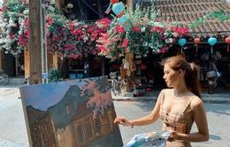 Phanh Lee thỏa mãn đam mê hội họa trong chuyến du lịch Hội An