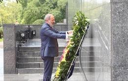 Thủ tướng Armenia viếng Lăng Chủ tịch Hồ Chí Minh