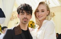 Hé lộ hình ảnh đầu tiên trong lễ cưới của Sophie Turner và Joe Jonas