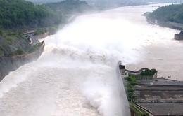 Nước hồ thủy điện Hòa Bình xuống thấp ảnh hưởng đến cung cấp điện