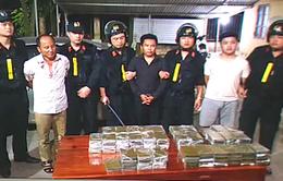 Bắt nhóm đối tượng vận chuyển 120 bánh heroin
