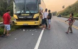 Băng qua đường cao tốc, 1 người bị xe đâm tử vong