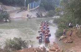 Lật bè tại Cao Bằng, 3 người mất tích