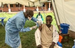 WHO: Hơn 1.300 người được tiêm phòng khẩn cấp ngăn ngừa virus Ebola