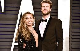 Miley Cyrus – Liam Hemsworth: Chia tay nhưng không li hôn