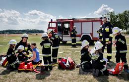 Kỳ lạ đội cứu hỏa toàn nữ ở ngôi làng tại Ba Lan