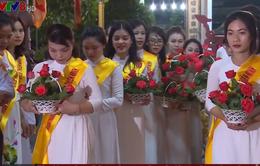 """Đại lễ Vu lan """"Bông hồng cài áo"""" ở Huế"""