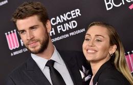 Hậu ly thân, Miley Cyrus không nói chuyện với chồng