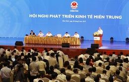 """Thủ tướng: Phát triển miền Trung đừng để """"hai chân dẫm vào nhau"""""""