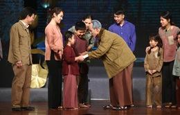 """Xúc động với những vở kịch ngắn về Bác Hồ trong chương trình """"Muôn vàn tình thương yêu"""""""