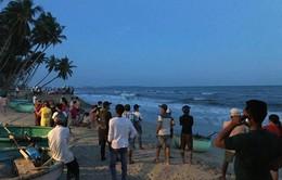Bình Thuận: Tìm thấy thi thể 2 du khách bị sóng cuốn trong lúc tắm biển