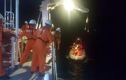 Cứu ngư dân bị hôn mê do tai nạn trên biển