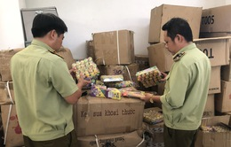 Phú Yên: Thu giữ nhiều bánh kẹo và đồ chơi trẻ em không có hóa đơn, chứng từ hợp pháp