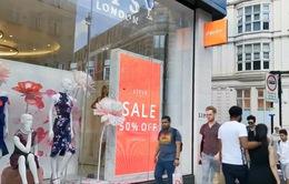 Doanh thu bán lẻ tại Anh giảm với tốc độ nhanh chưa từng thấy trong hơn một thập kỷ