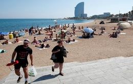 Phát hiện bom ở bãi biển Barcelona