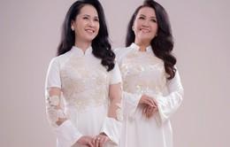 Hai mẹ chồng quốc dân tụ hội, uyển chuyển trong BST áo dài đôi của NTK Đức Hùng