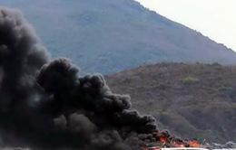 Ca nô du lịch bốc cháy trên vịnh Nha Trang, 2 thuyền viên bị bỏng