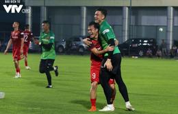 ẢNH: ĐT Việt Nam tươi cười thoải mái trong buổi tập đầu tiên chuẩn bị cho trận gặp ĐT Thái Lan