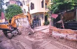 Đã cưỡng chế diện tích đất làm đường vào trường THCS Phương Mai