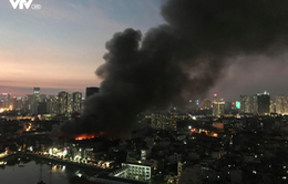Tạm thời khống chế đám cháy lớn ở Công ty bóng đèn phích nước Rạng Đông