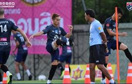 Tân HLV ĐT Thái Lan lập hàng rào quanh sân tập, quyết giấu bài trước trận gặp ĐT Việt Nam