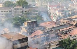 FLYCAM: Khói vẫn mù mịt tại hiện trường vụ cháy Nhà máy Bóng đèn và Phích nước Rạng Đông