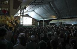 Không có vé, người dân Quảng Nam vẫn nô nức tới sân cổ vũ ĐT Việt Nam