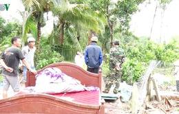 Lốc xoáy làm sập và tốc mái hơn 100 căn nhà ở Hậu Giang