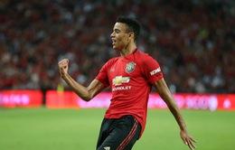 """""""Măng non"""" lập cột mốc mới, fan Man Utd tặng mưa lời khen"""