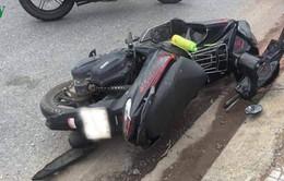 Xe máy tự gây tai nạn khiến 2 người chết, 1 người bị thương