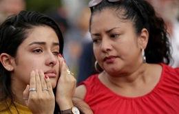 Mỹ treo cờ rủ tưởng niệm nạn nhân xả súng