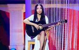 """Lý do """"Nữ hoàng phòng trà"""" Quỳnh Lan chọn guitar thùng làm bạn diễn nhiều năm qua"""