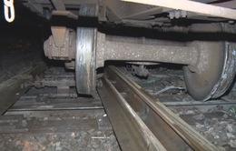 Tàu trật bánh tại Đồng Nai, đường sắt Bắc – Nam tê liệt nhiều giờ