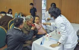Khám, cấp thuốc miễn phí cho người bệnh phổi tắc nghẽn mạn tính