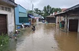 Nhiều nơi ở Phú Quốc tiếp tục ngập sâu do mưa lớn