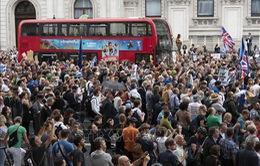Biểu tình lớn phản đối kế hoạch tạm ngưng Quốc hội ở Anh