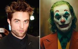 """LHP Toronto 2019: """"Joker"""" Joaquin Phoenix sẽ không chạm trán với """"Batman"""" Robert Pattinson"""