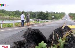 Đường 250 tỷ mới xong đã nứt toác: Bộ trưởng Bộ GTVT yêu cầu xử nghiêm