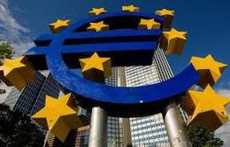 Fitch hạ mạnh dự báo tăng trưởng Trung Quốc và Eurozone