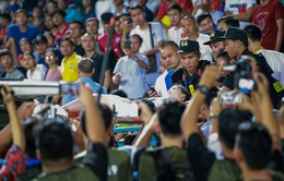 Truyền thông quốc tế sửng sốt với sự cố pháo sáng trên sân Hàng Đẫy