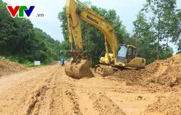 Mưa lũ gây hư hại giao thông miền núi Quảng Trị
