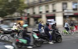 Giao thông tê liệt ở thủ đô Pháp do bãi công