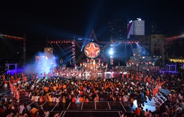 Hàng ngàn khán giả thổi bùng không khí tại Đêm thu cổ tích